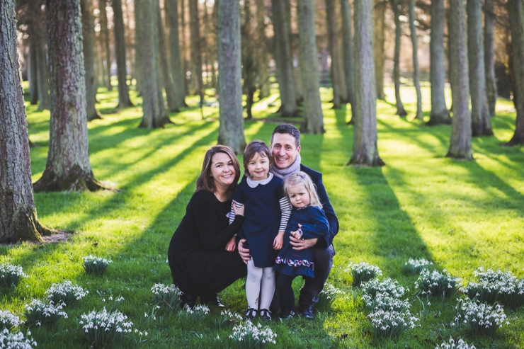 Family Mini Photography Session, family among snowdrops